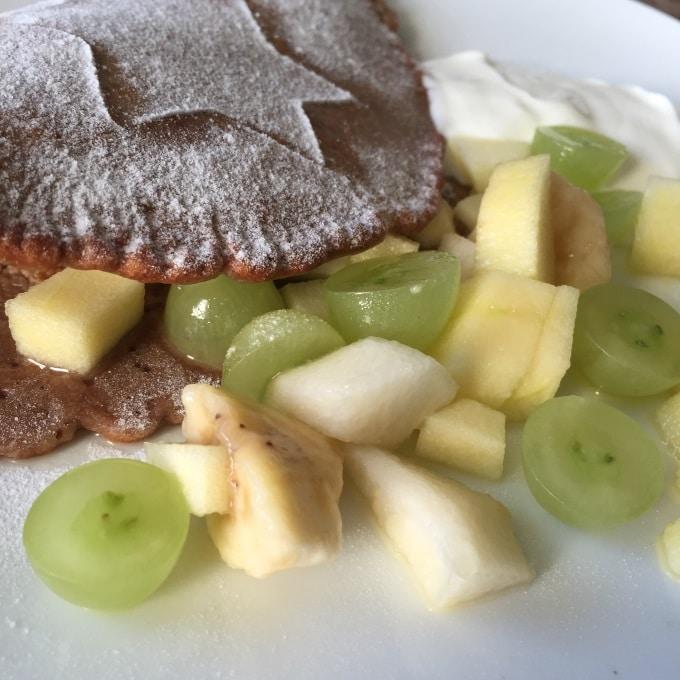 Umgang mit Messern Obstsalat Schokopfannkuchen (6)
