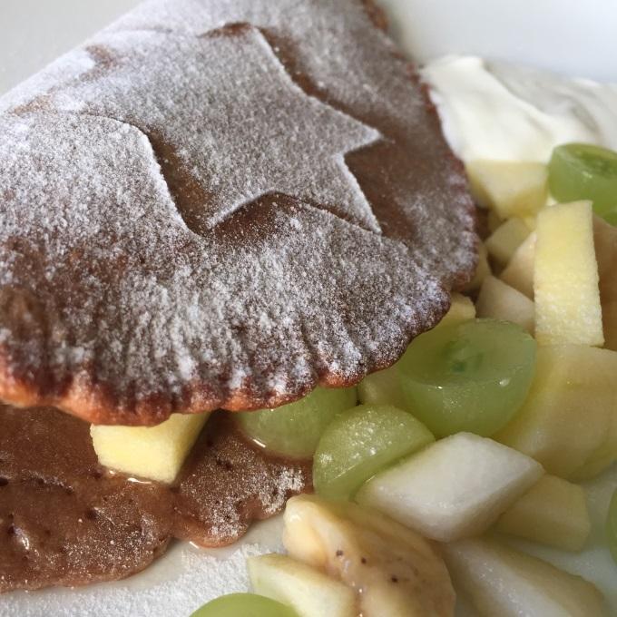 Umgang mit Messern Obstsalat Schokopfannkuchen (7)