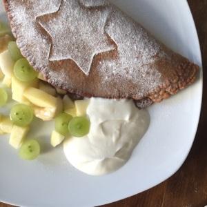Umgang mit Messern Obstsalat Schokopfannkuchen (8)