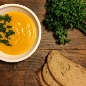 Kürbis-Lauch-Kartoffel-Petersilien-Suppe (Gastbeitrag von FrauHeute)