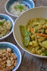 Gemüse-Hähnchen-Curry mit Erdnussbutter