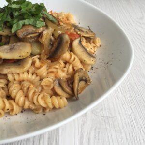 One-Pot-Pasta mit gebratenen Champignons