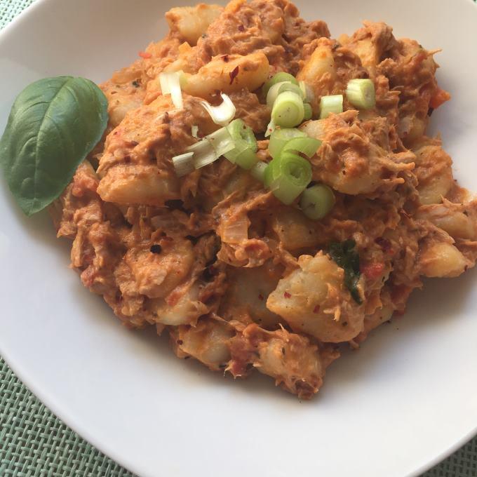 Gnocchi Tomaten Thunfisch Soße (1)