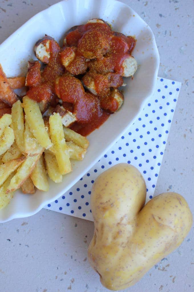 Zweierlei Pommes Currywurst (3)
