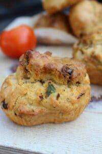 Herzhafte Muffins italienischer Art