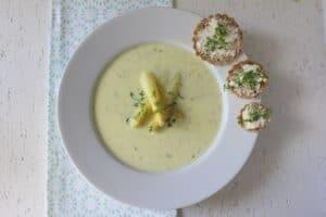 Spargelsuppe mit Frischkäse (Suppenmittwoch im April)