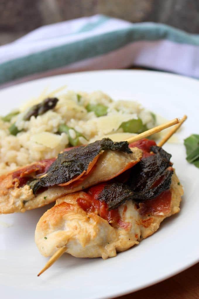 Hähnchen-Saltimbocca mit Spargelrisotto