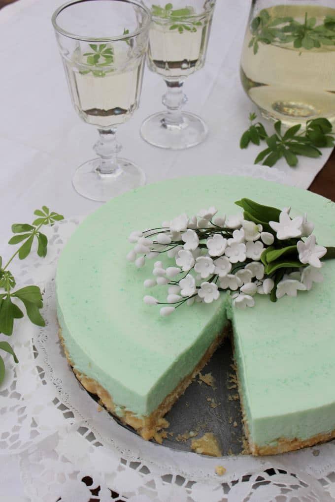 Waldmeister-Frischkäse-Torte