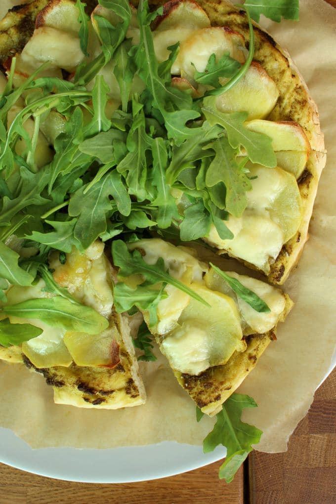Kartoffelpizza mit Pesto