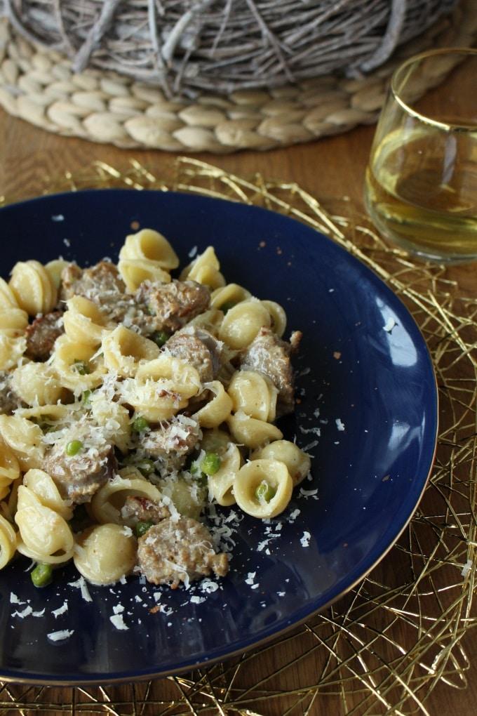 Orecchiette mit Bratwurst in (Weißwein-)Sahne-Soße