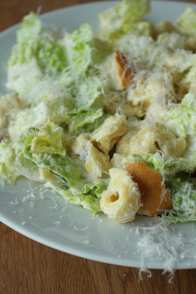 Caesar Tortellini Salat