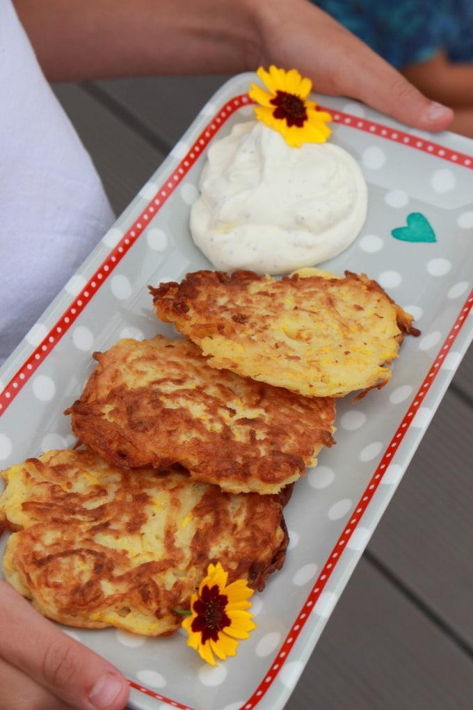 Gelbe Kartoffel-Zucchini-Puffer