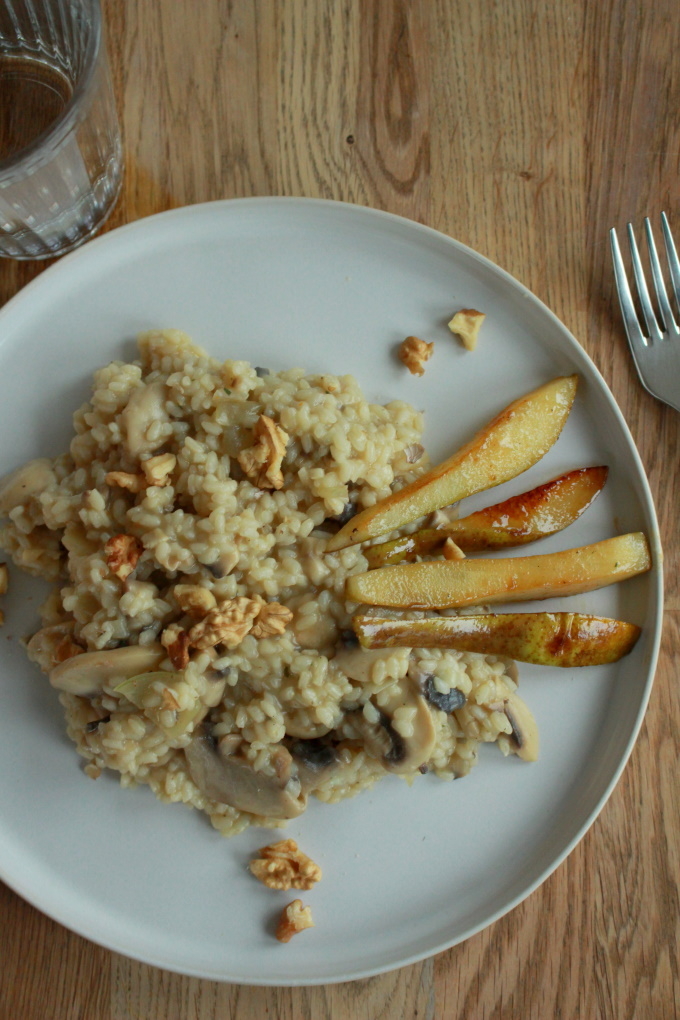 Pilzrisotto mit karamellisierter Birne und Walnuss