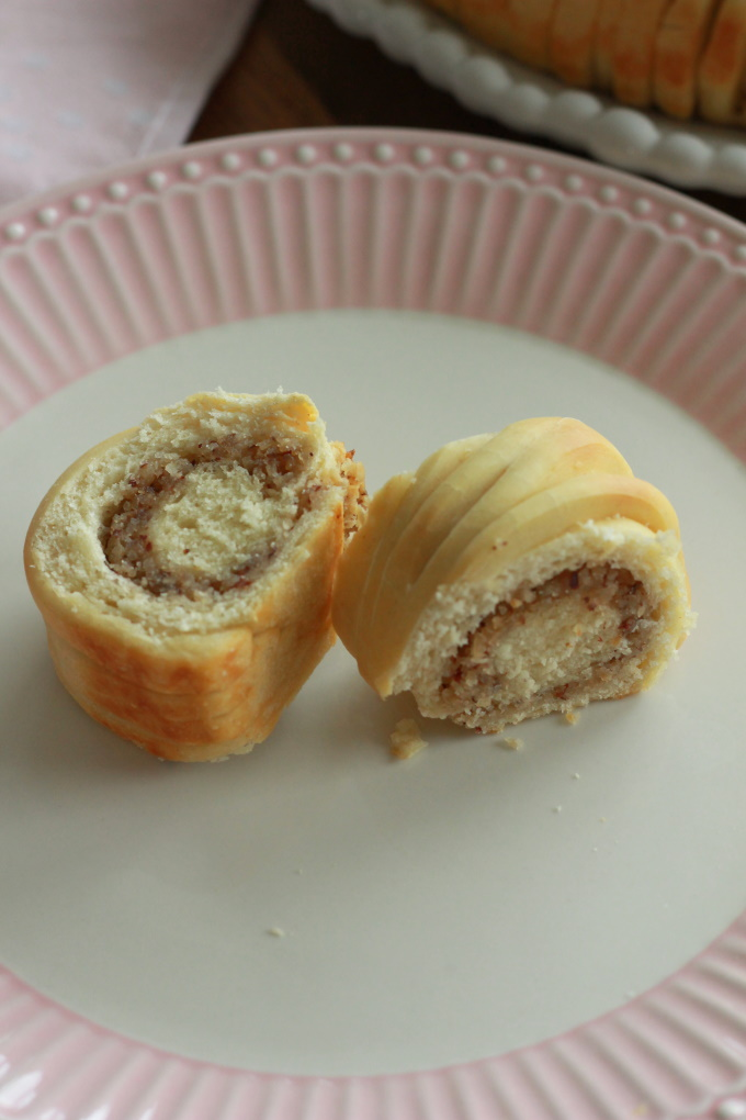 Wollknäuel-Brot mit Haselnussfüllung
